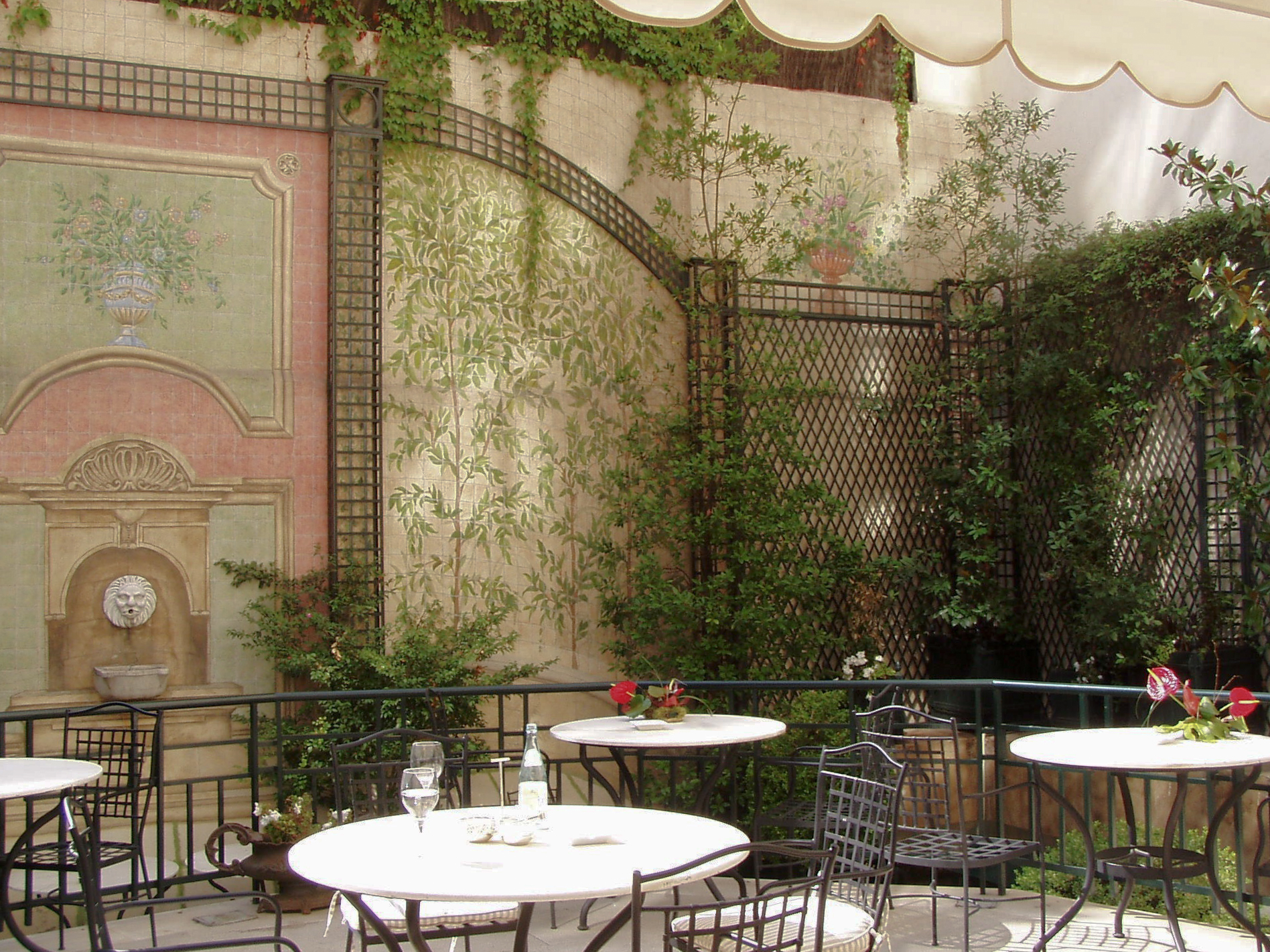 Detalle Patio Hotel Orfila