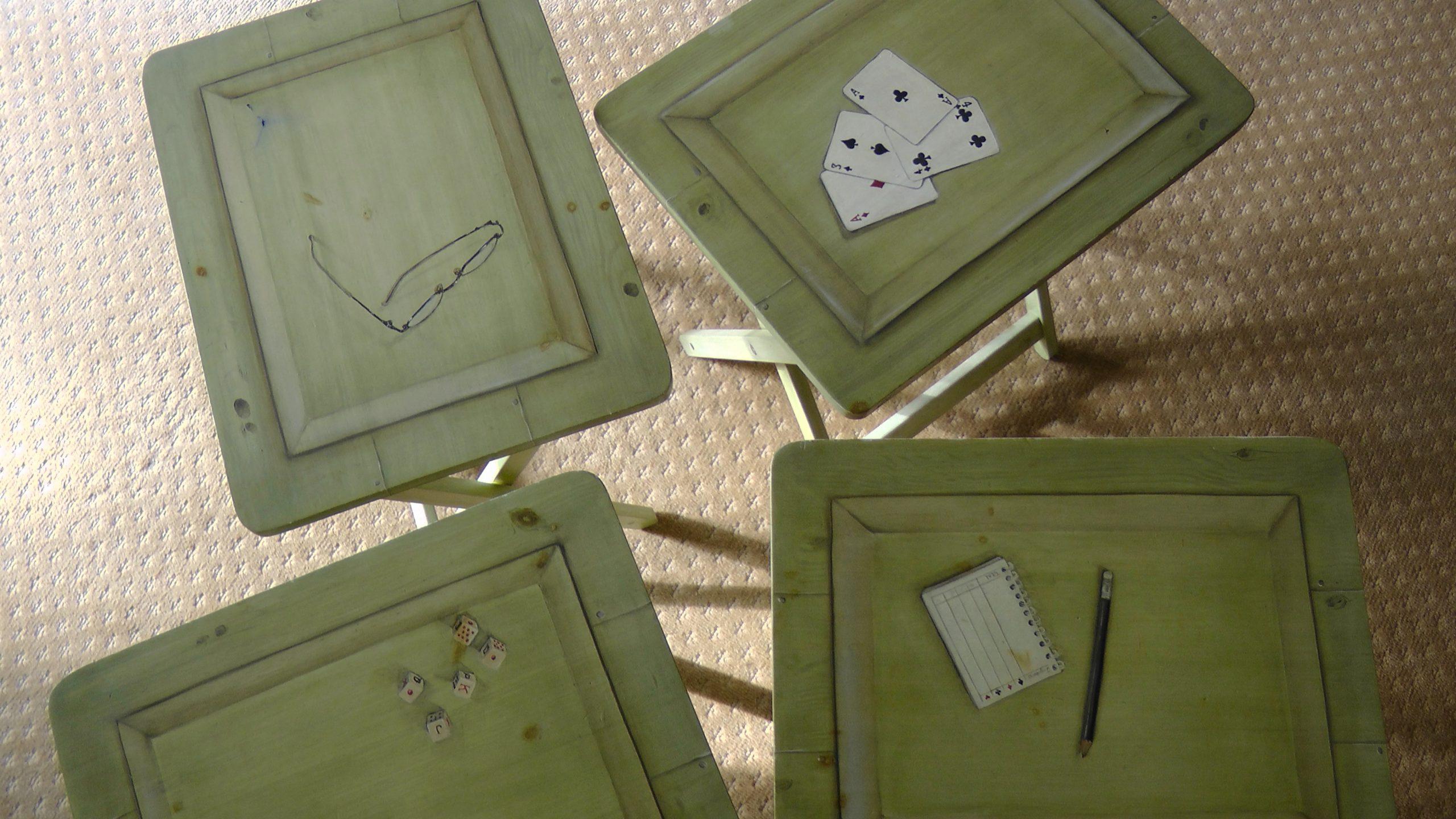 Set de mesas, falsos recuadros con objetos